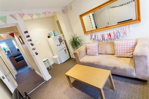 5 bedroom apartment to rent - Headingley Rise, Hyde Park, LS6 1EE
