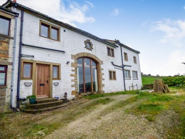 5 Bedrooms House for sale in Crag End Farm, Cowling BD22 0JU