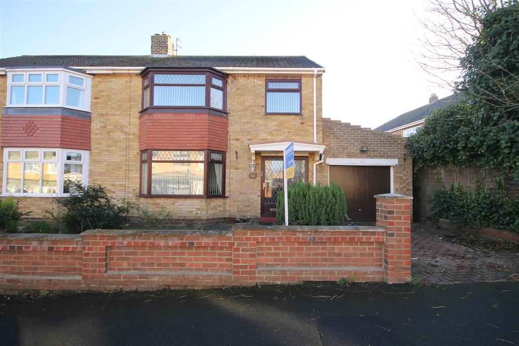 3 Bedrooms Semi Detached House for sale in Swanage Grove, Hart Station, Hartlepool