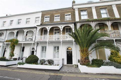 Houses to rent in clifftown latest property onthemarket for 1 royal terrace southend on sea