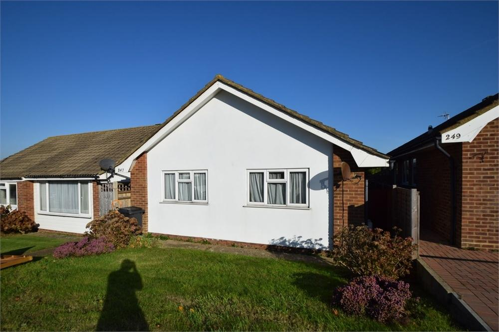 2 Bedrooms Detached Bungalow for sale in Seven Sisters Road, Willingdon