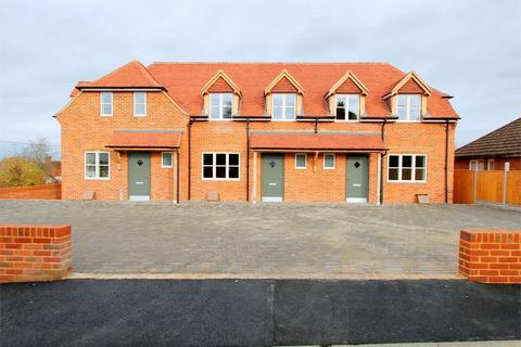 3 bedroom end of terrace house to rent - Odiham, Hampshire
