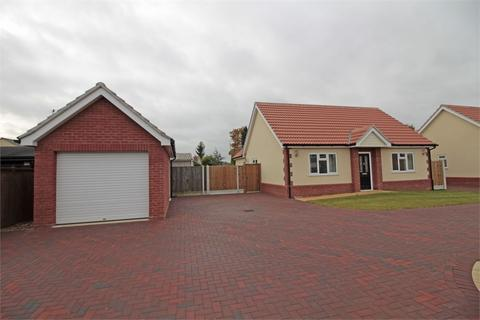 3 bedroom detached bungalow for sale - Seldon Road, Tiptree, COLCHESTER, Essex