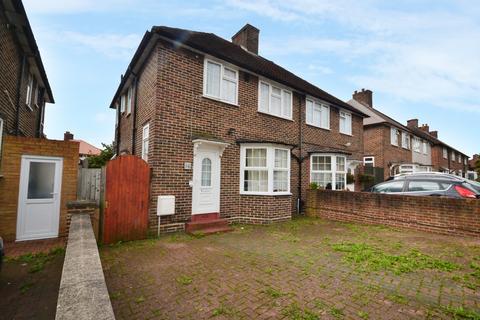 3 bedroom semi-detached house to rent - Ridgebrook Road Kidbrooke SE3