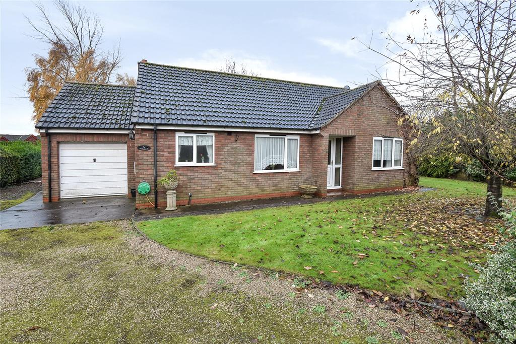 3 Bedrooms Detached Bungalow for sale in Killingholme Road, Ulceby, DN39