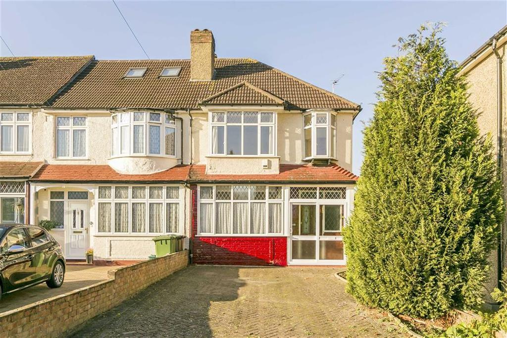 3 Bedrooms End Of Terrace House for sale in Ardrossan Gardens, Worcester Park, Surrey