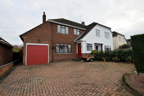 3 bedroom semi-detached house for sale - Brooksby Road, Tilehurst, Reading