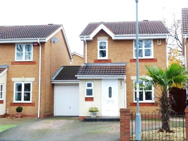 3 Bedrooms Link Detached House for sale in Westmead Crescent,Pype Hayes,Birmingham