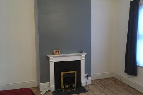 Studio to rent - Jenner Road, London N16