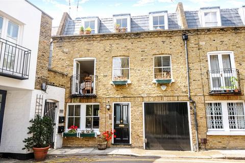 2 bedroom mews to rent - Lexham Mews, Kensington, London