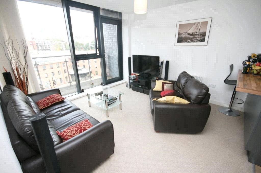 2 Bedrooms Flat for sale in Saville Place, Potato Wharf, Manchester, M3