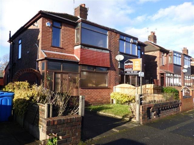 3 Bedrooms Semi Detached House for sale in Welbeck Avenue, Chadderton, Oldham, Greater Manchester, OL9