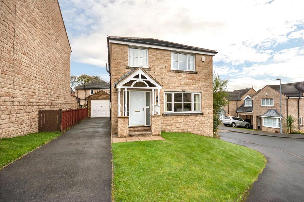 3 Bedrooms Detached House for sale in Wellfield Road, Marsh, Huddersfield, West Yorkshire, HD3