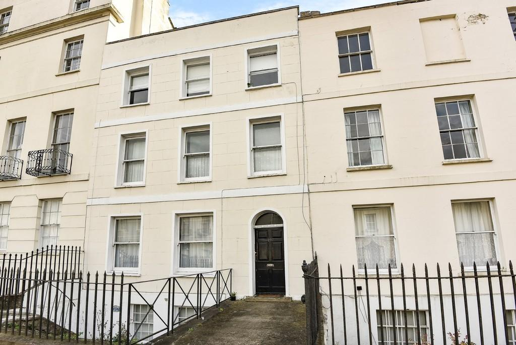 1 Bedroom Apartment Flat for sale in Hewlett Road, Cheltenham
