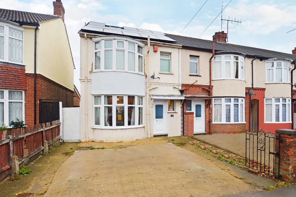 5 Bedrooms End Of Terrace House for sale in Poynters Road, Luton, Bedfordshire, LU4 0LB