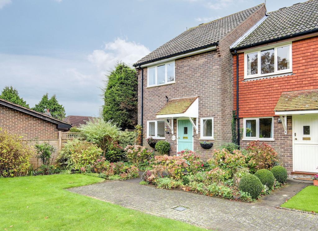 3 Bedrooms End Of Terrace House for sale in Maltings Green, Steyning, BN44 3GA