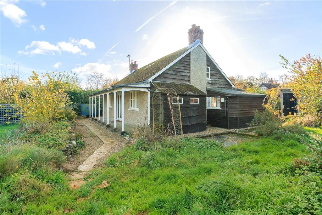 3 Bedrooms Detached Bungalow for sale in North End, Newbury, Hampshire, RG20