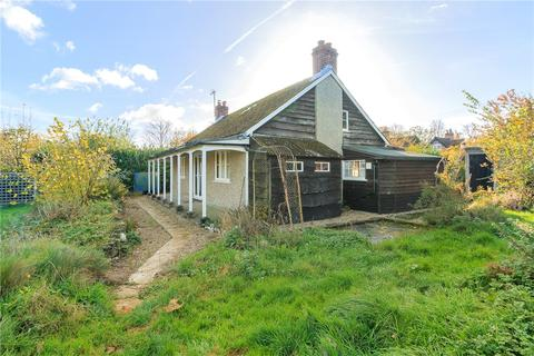 3 bedroom detached bungalow for sale - North End, Newbury, Hampshire, RG20