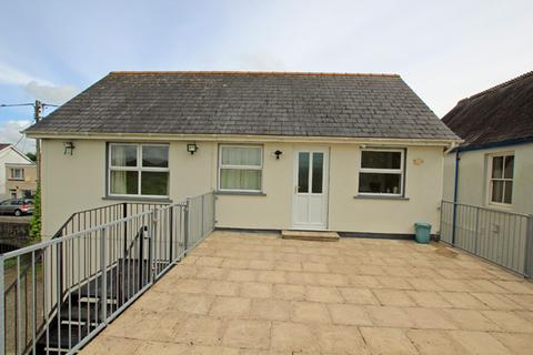 2 bedroom flat to rent - Pentre Road, St. Clears, Carmarthenshire