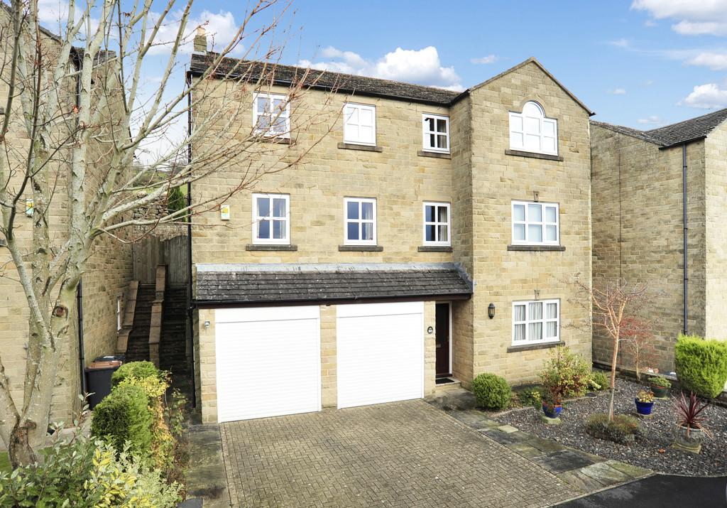 5 Bedrooms Detached House for sale in Springfield Way, Pateley Bridge