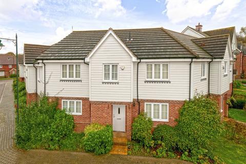 3 bedroom terraced house for sale - Charlotte Drive, Kingshill