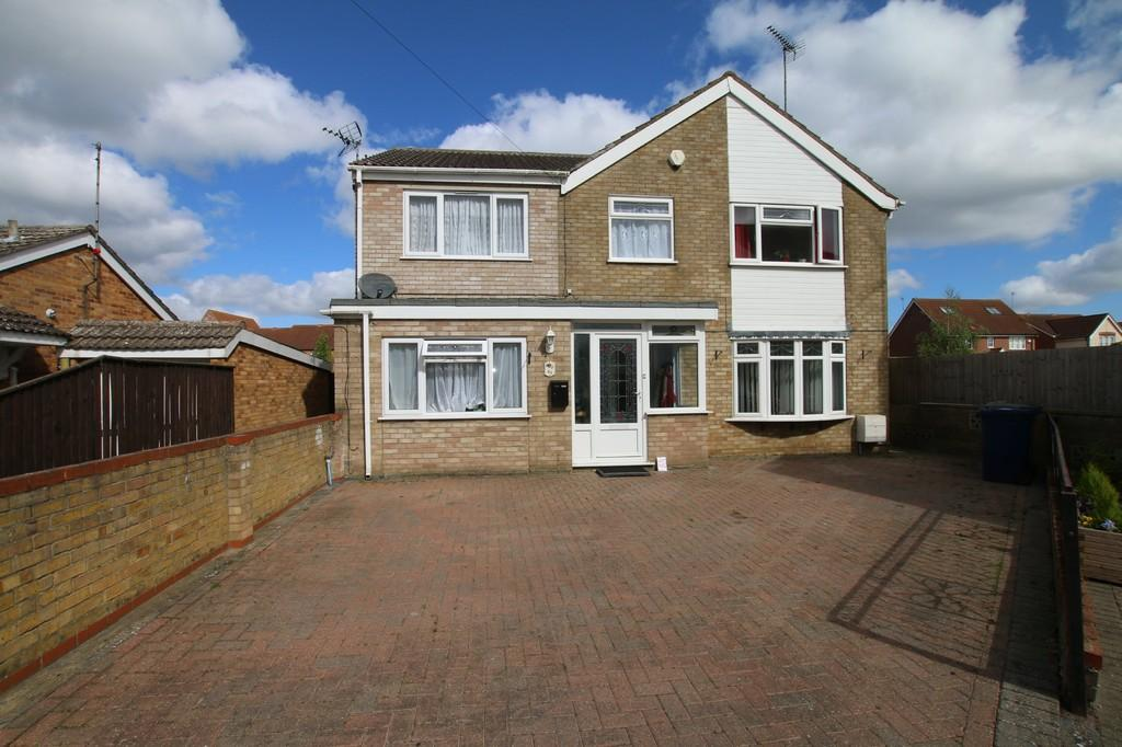 5 Bedrooms Detached House for sale in Birch Avenue, Chatteris