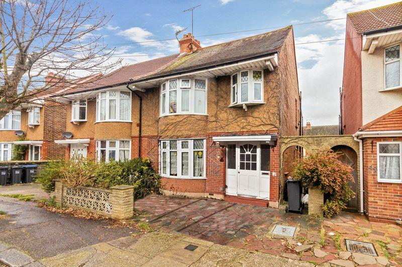 4 Bedrooms Semi Detached House for sale in King Edward Avenue, Worthing