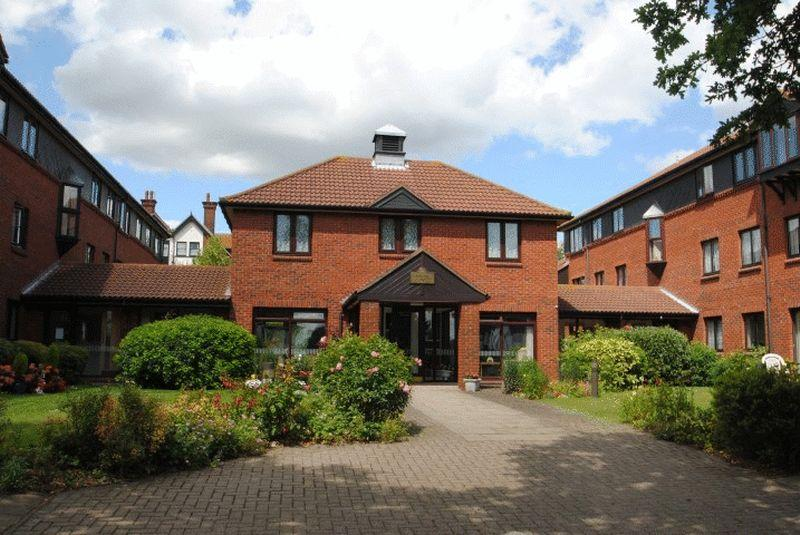 1 Bedroom Apartment Flat for sale in Imperial Avenue, Westcliff-On-Sea