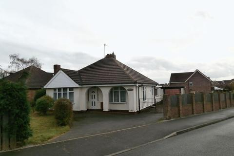 3 bedroom detached bungalow for sale - Main Road, Thorngumbald