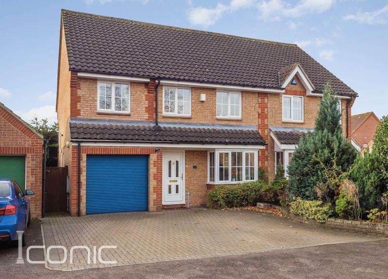 4 Bedrooms Semi Detached House for sale in Radcliffe Road, Drayton, Norwich