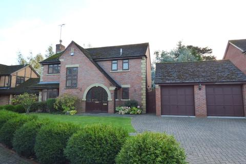 4 bedroom detached house to rent - Rowley Hall Drive, Rowley Park, Stafford