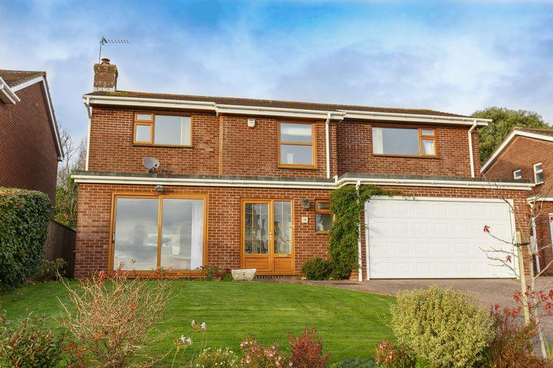 4 Bedrooms Detached House for sale in Fairfield Road, Crediton