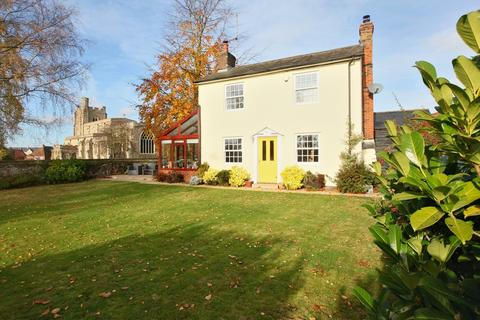 3 bedroom detached house for sale - Church Street, Bocking, CM7 5JY