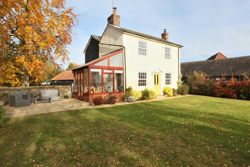 3 Bedrooms Detached House for sale in Church Street, Bocking, CM7 5JY