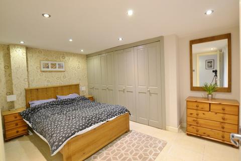 2 bedroom apartment to rent - Norfolk Square, Brighton, BN1