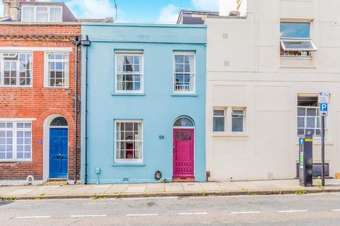 2 bedroom terraced house for sale - Guildford Street, Brighton, BN1 3LS