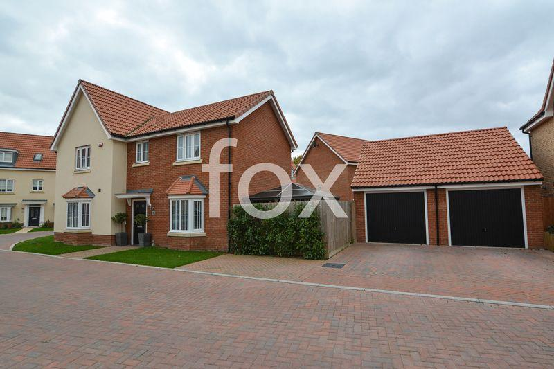 4 Bedrooms Detached House for sale in Shetland Crescent, Rochford