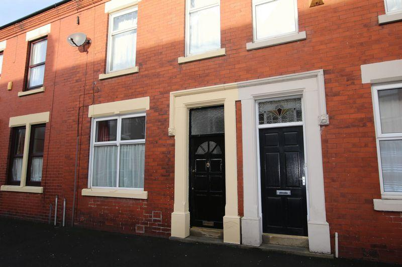 3 Bedrooms Terraced House for sale in Balfour Road, Fulwood