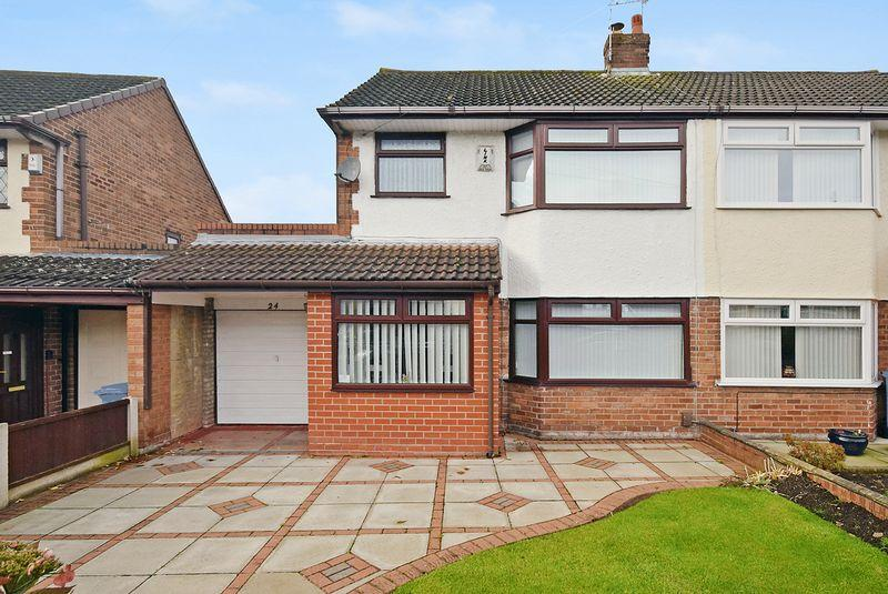 3 Bedrooms Semi Detached House for sale in Broadway, Widnes