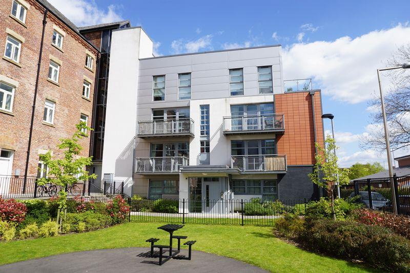 2 Bedrooms Apartment Flat for sale in Cooper Street, Stockport