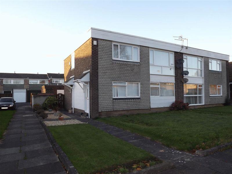 2 Bedrooms Flat for sale in Mainstone Close, Cramlington