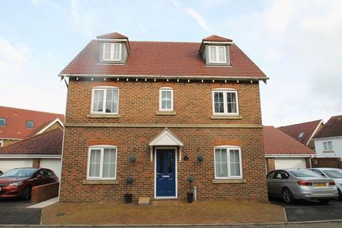 6 bedroom detached house for sale - Hawkinge, Folkestone
