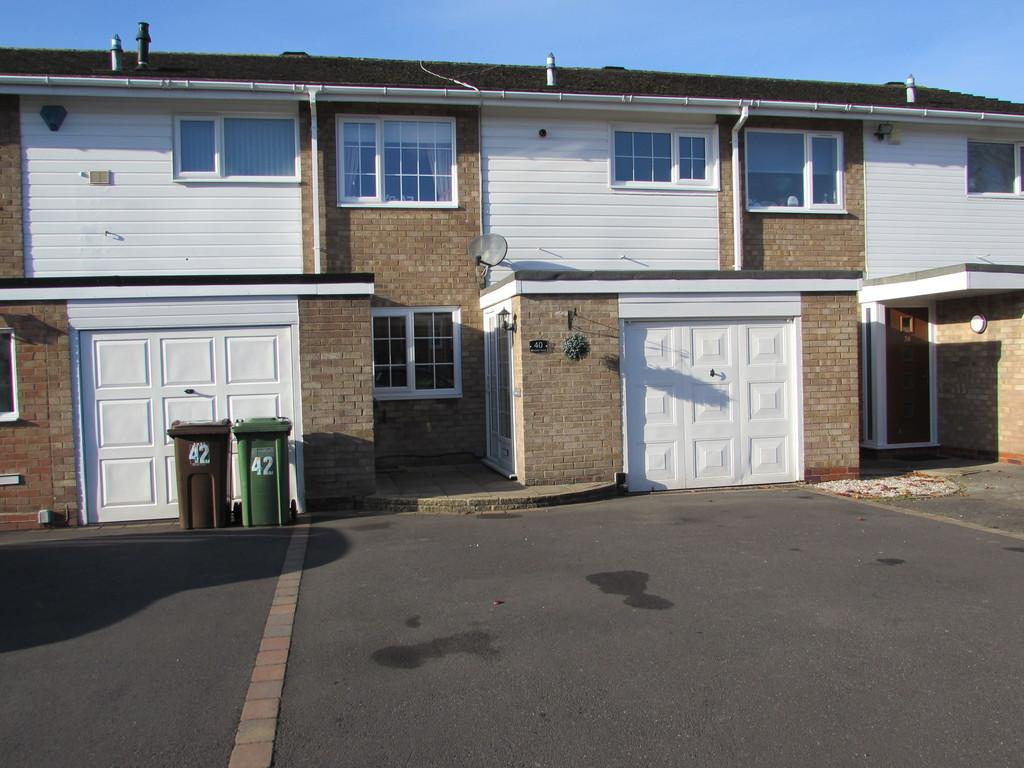 3 Bedrooms Terraced House for sale in Milholme Green, Solihull