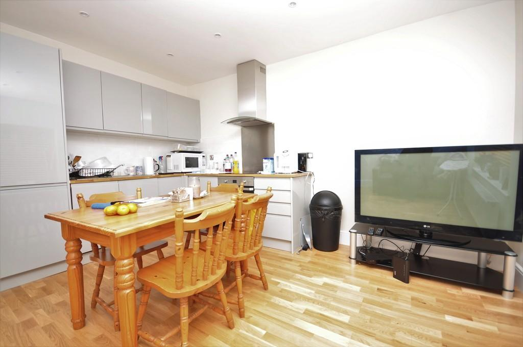 2 Bedrooms Apartment Flat for sale in Peperharow, Godalming