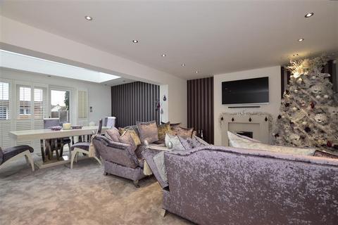 2 bedroom semi-detached house for sale - Sherbourne Close, West Kingsdown, Sevenoaks, Kent
