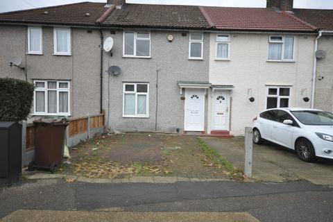 3 bedroom terraced house for sale - Davington Road, Dagenham