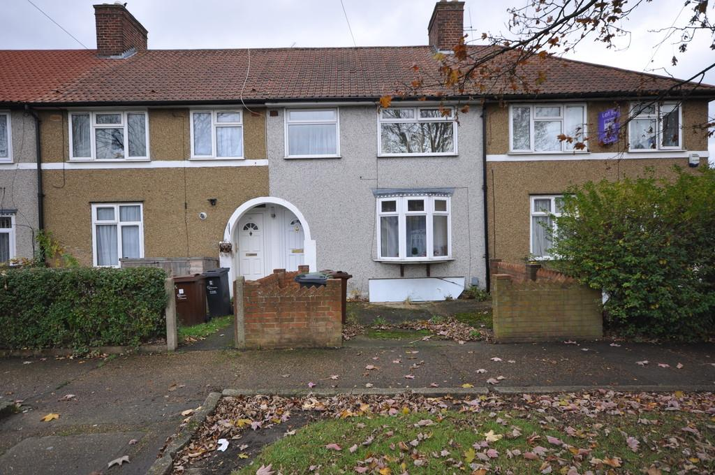 3 Bedrooms Terraced House for sale in Standfield Road, Dagenham