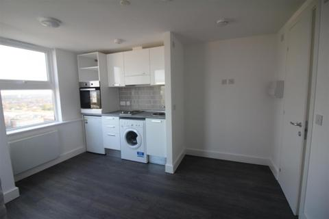 Studio to rent - Terminus street,  Harlow, CM20