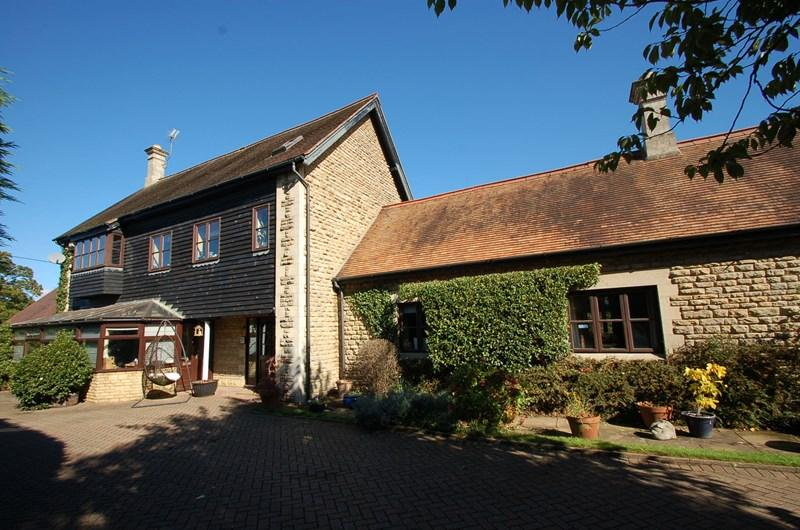 5 Bedrooms Barn Conversion Character Property for sale in Thorpe Waterville, Nr Oundle, NN14