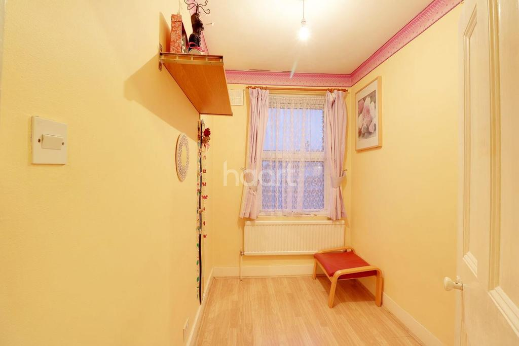 3 Bedrooms Terraced House for sale in Southall Broadway